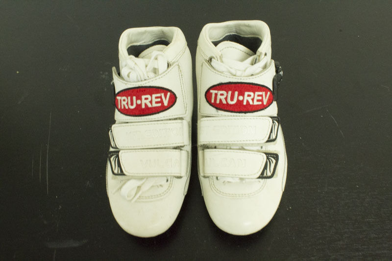 Original  Trurev inline racing speed boot. US size 3  professional integrated online shopping mall