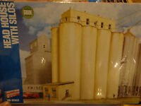 Walthers Cornerstone Ho 2942 Head House W/silos (kit)