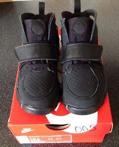 8c5967e94143 Nike Trainer Huarache.Blk Blk Blk Size Uk 9.5 Eur 27(Infants ...