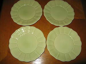 Versailles-by-Noble-Excellence-Salad-Plates-Green