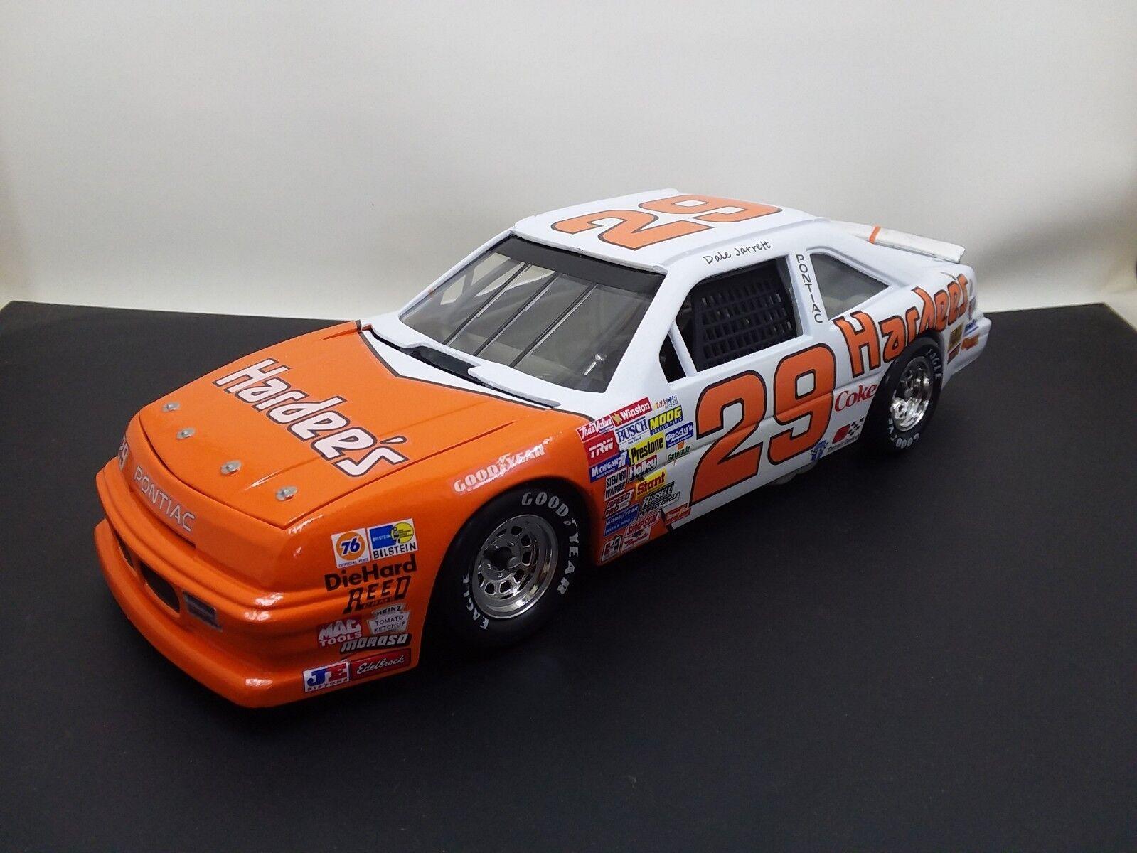1989 Dale Jarrett NASCoche Winston Cup  29 Hardees escala 1 24 Diecast Coche Personalizado