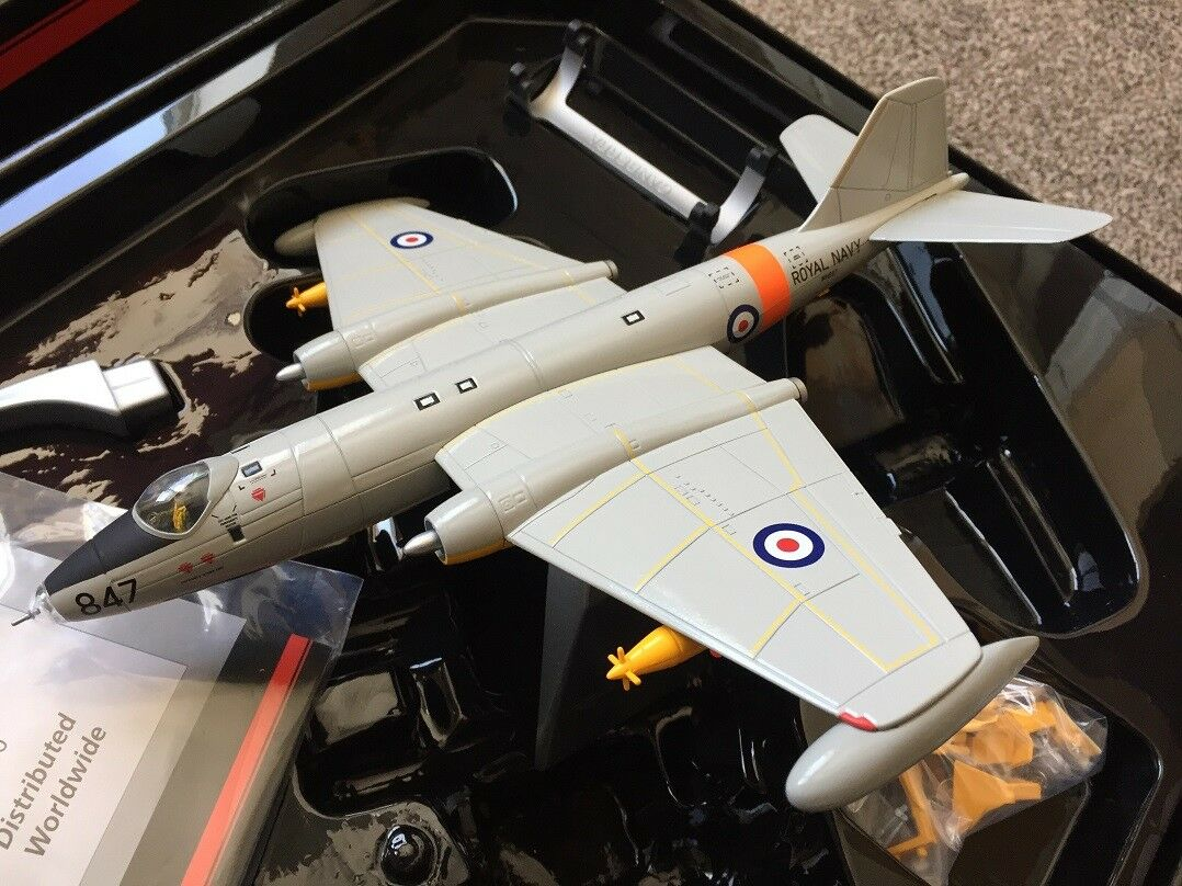 Corgi Aviation AA34707 - Canberra TT18 - WH887, FRADU, Royal Navy