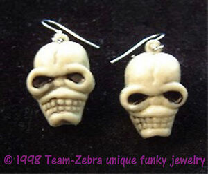 Funky-Gothic-Severed-ZOMBIE-SKULL-HEAD-EARRINGS-Emo-VooDoo-Charm-Costume-Jewelry