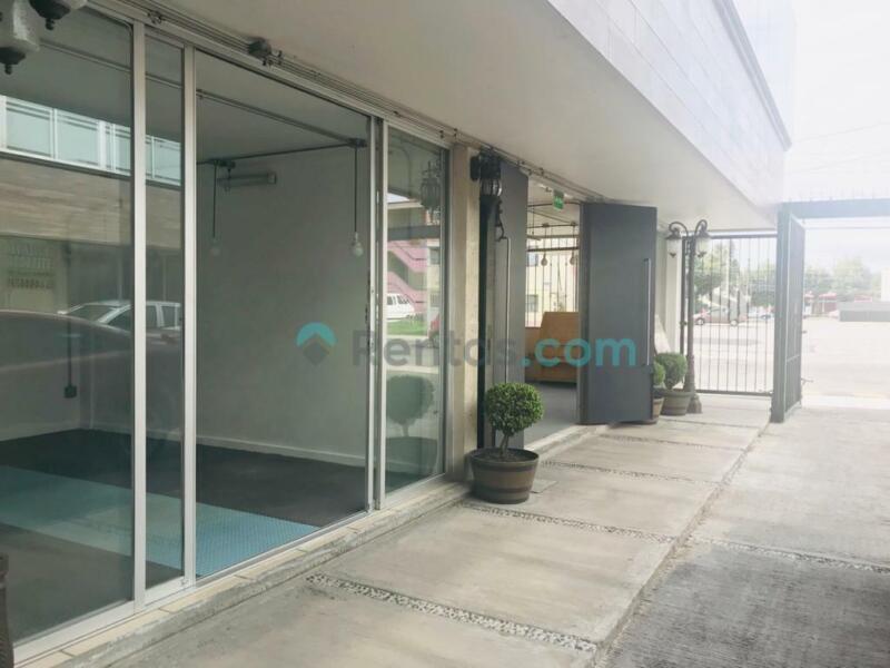 SE RENTAN LOCALES COMERCIALES Plaza Comercial en Metepec