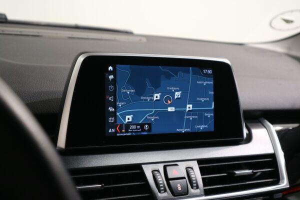 BMW 216i 1,5 Gran Tourer Sport Line 7prs billede 6