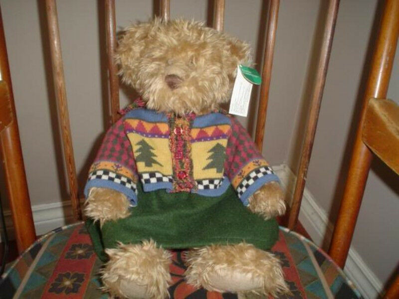 Russ Berrie Marisa Bear 14 inch Festive Gatherings 101486 New with Tags