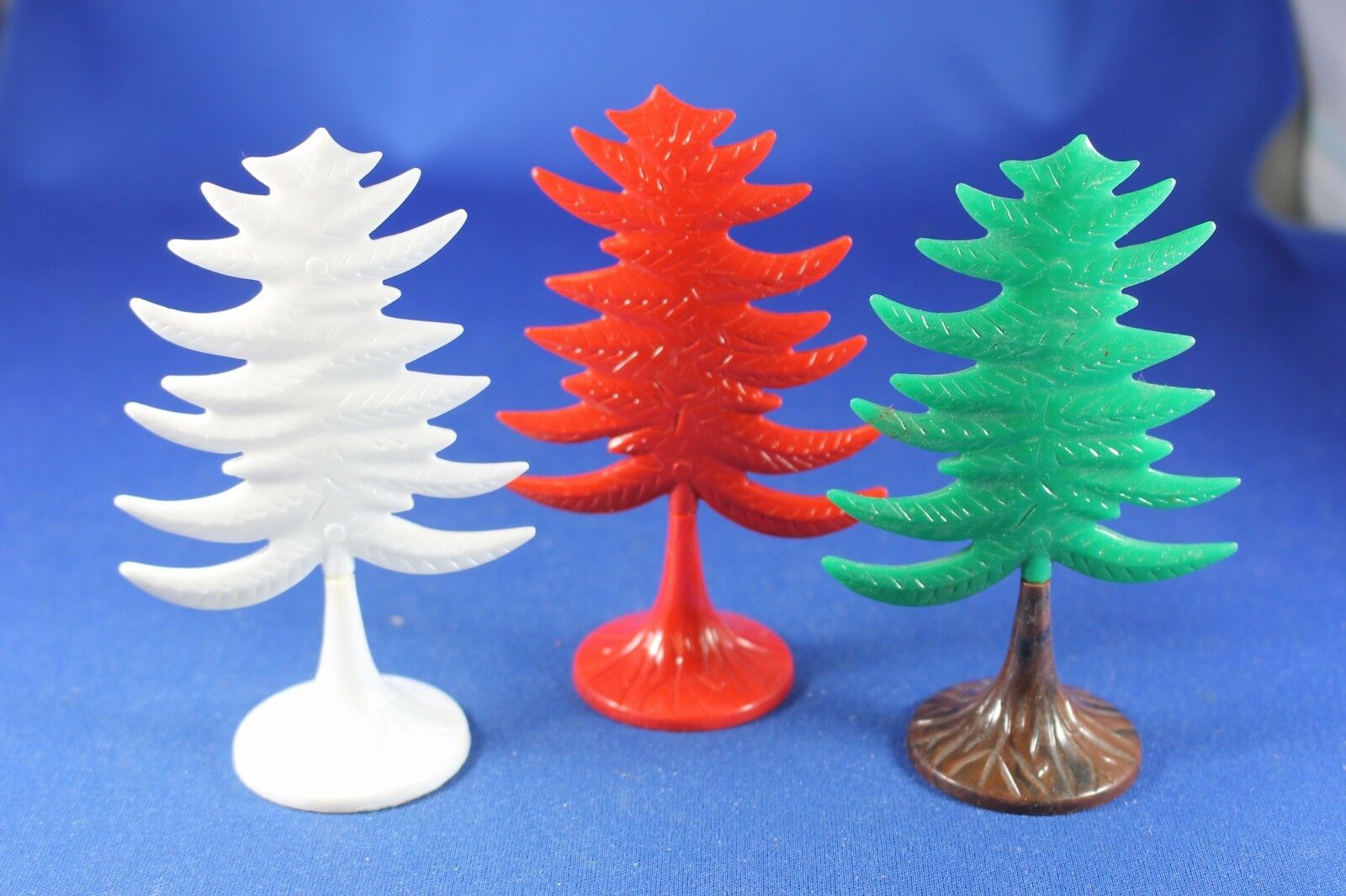 Plasticville - O-O27 -  CT-6 Eververde Trees  3  - rosso bianca verde - Excellent++
