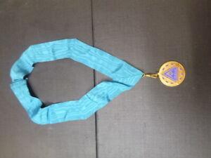 Vintage-Dura-Albanileria-Medalla-Collar-Bufanda-Francs-Masons