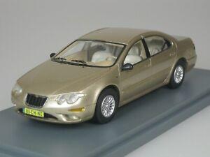 CHRYSLER-300M-300-M-SEDAN-2002-GOLD-BEIGE-METALLIC-1-43-NEO-44985-NEU