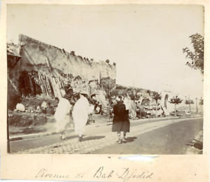 Tunisie-Tunis-Avenue-de-Bab-Jedid-Vintage-albumen-print-Tirage-albumine