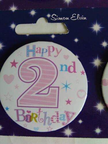 BIRTHDAY BADGE BOYS AND GIRLS AGE 2 BRAND NEW VARIOUS DESIGNS BADGES