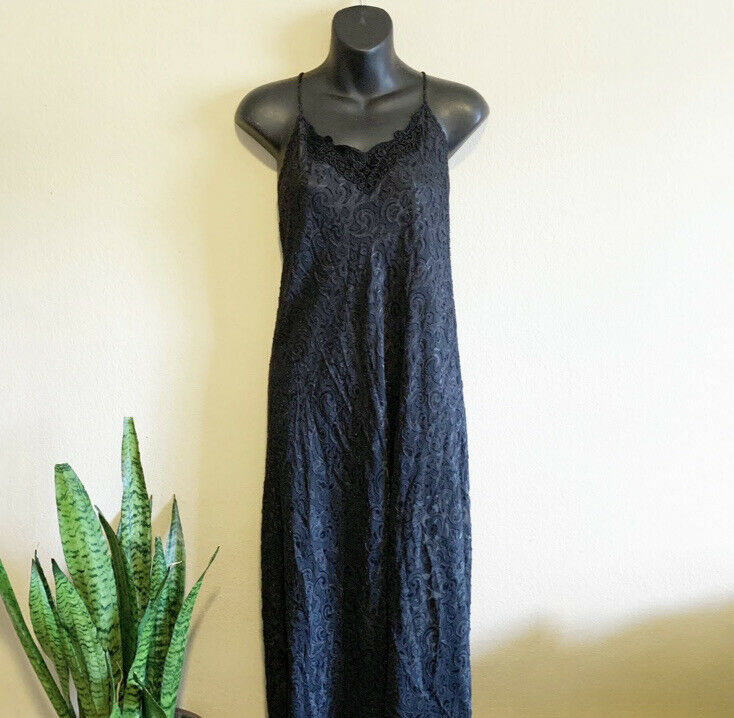 Lucie Ann Black Lace Vintage Maxi Nightgown - image 7