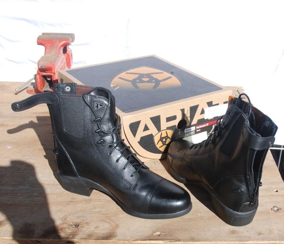 4-45 Ariat Para Mujer artista intérprete o ejecutante Iii botas Negro fue 154.00 Nuevo En Caja Con Etiquetas