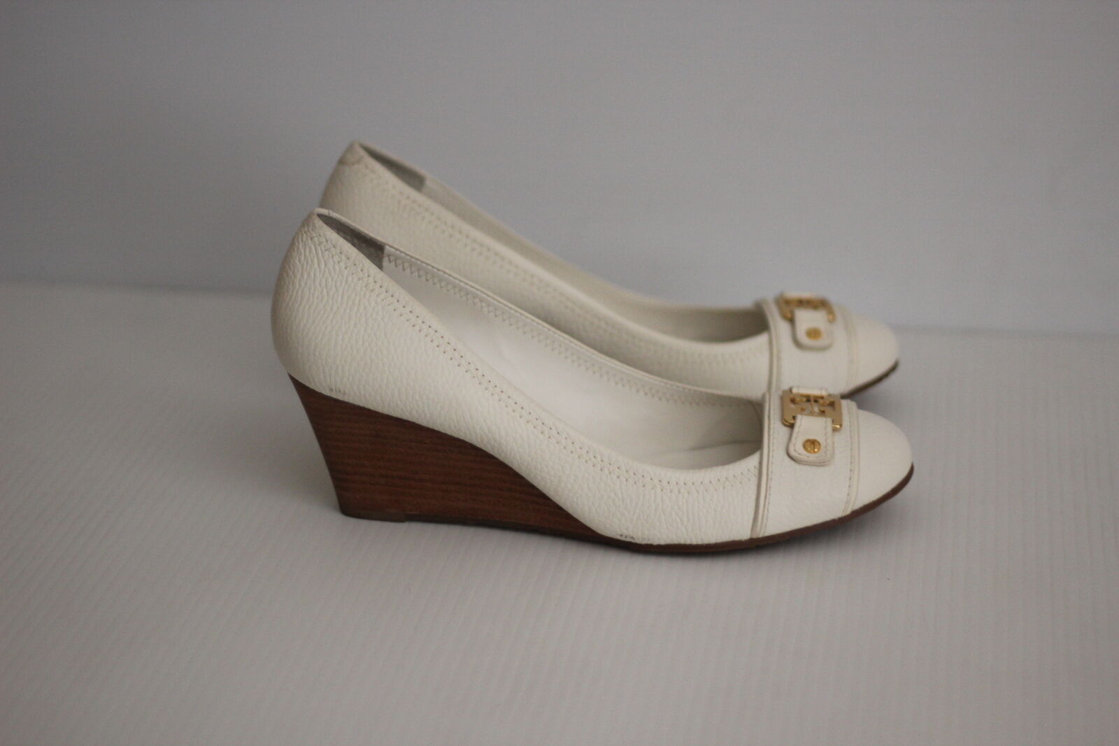 Tory Burch'Natalya 'Mid Wedge - Bleach bianca Leather  - Dimensione 11 M (V22)  negozio outlet