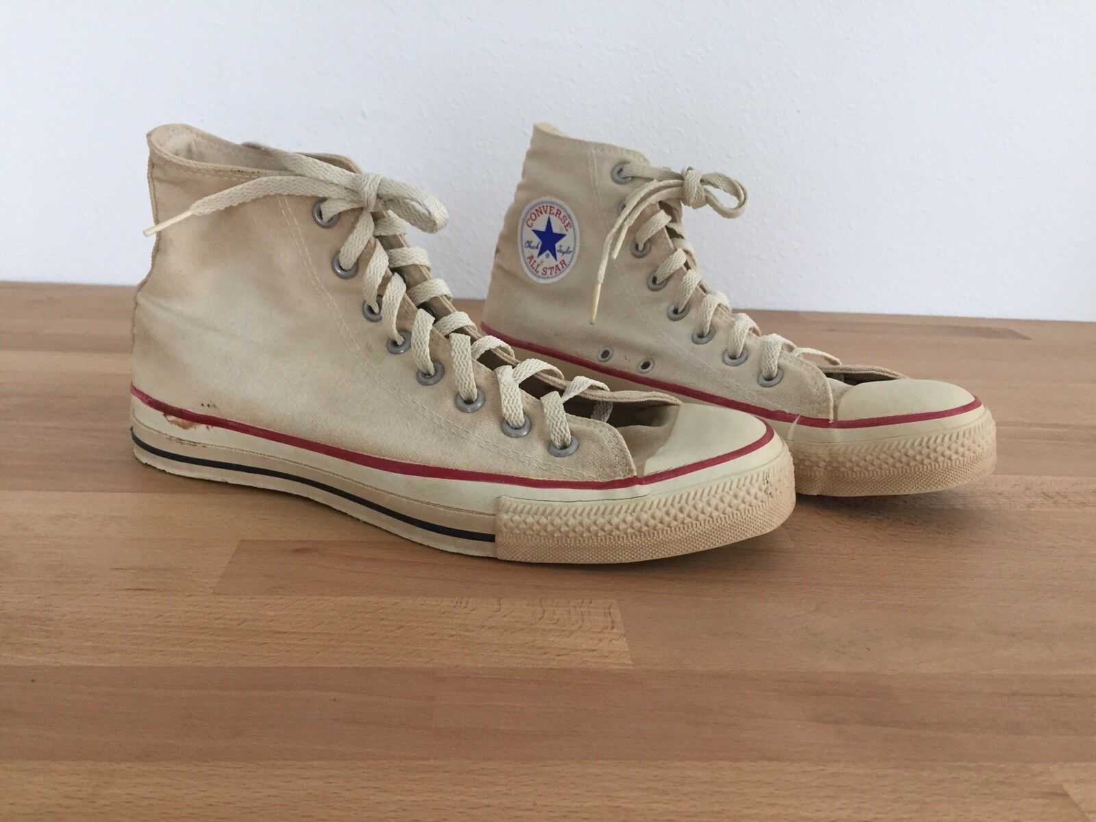 Barely used Vintage 80s 90s Converse Chuck Taylor All Star Made in USA.