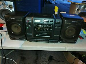 Sony-CFD-520-vintage-boombox-radio-CD-tape-cassette-939