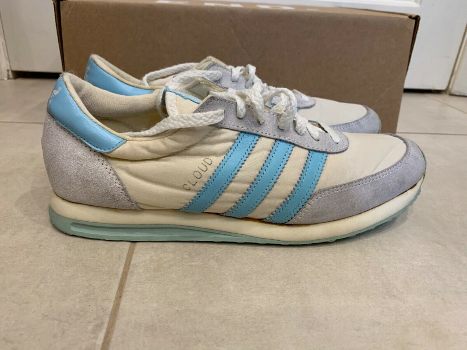 Brand new adidas Vintage cloud Made in Taiwan Größe woman's 9 men's 7