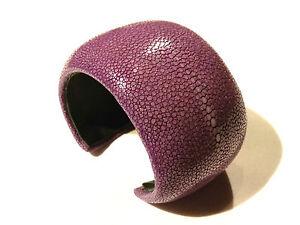 Bijou-cuir-Galuchat-rare-authentique-bracelet-manchette-violet-bangle