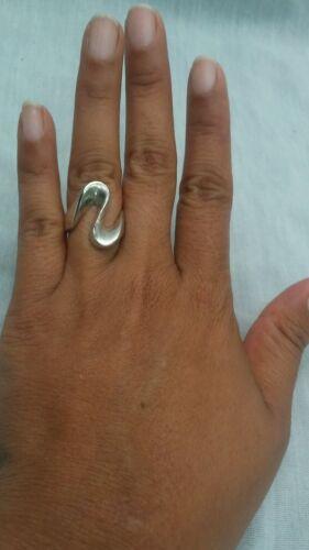 Pretty modernist   sterling silver 925 wavy ring s