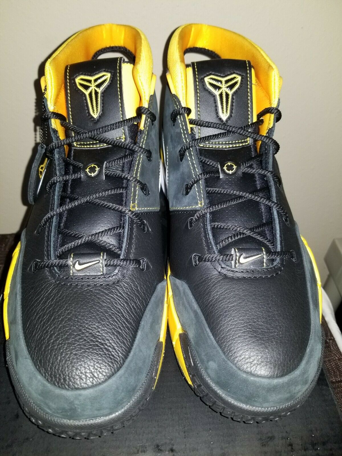 Nike Mens Kobe 1 Predro Size 11.5 Del Sol Black Yellow Varsity Maize