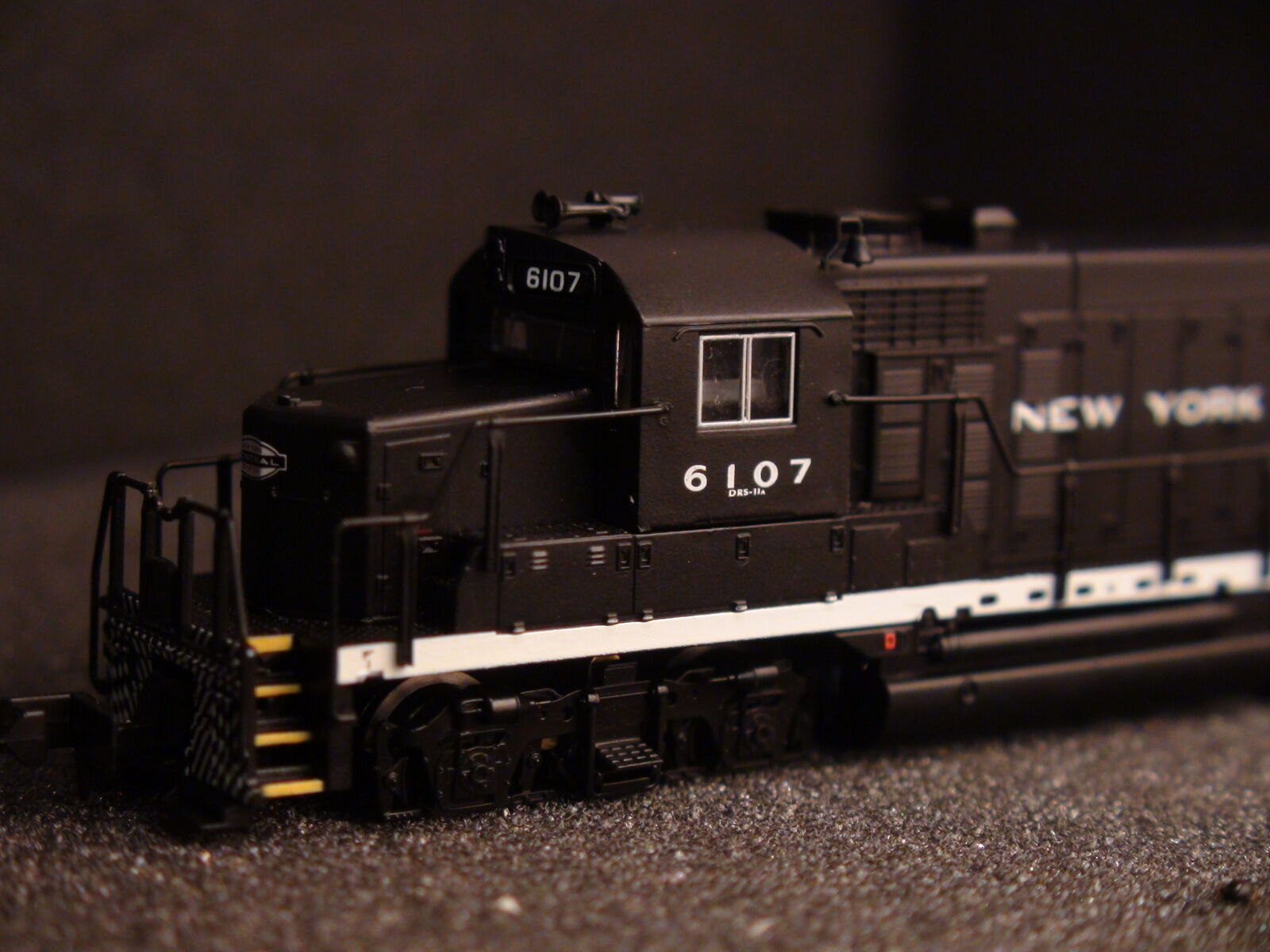 N-SCALE LIFE-LIKE 7092 GP-20 NEW YORK CENTRAL NYC  6109 BIGDISCOUNTTRAINS