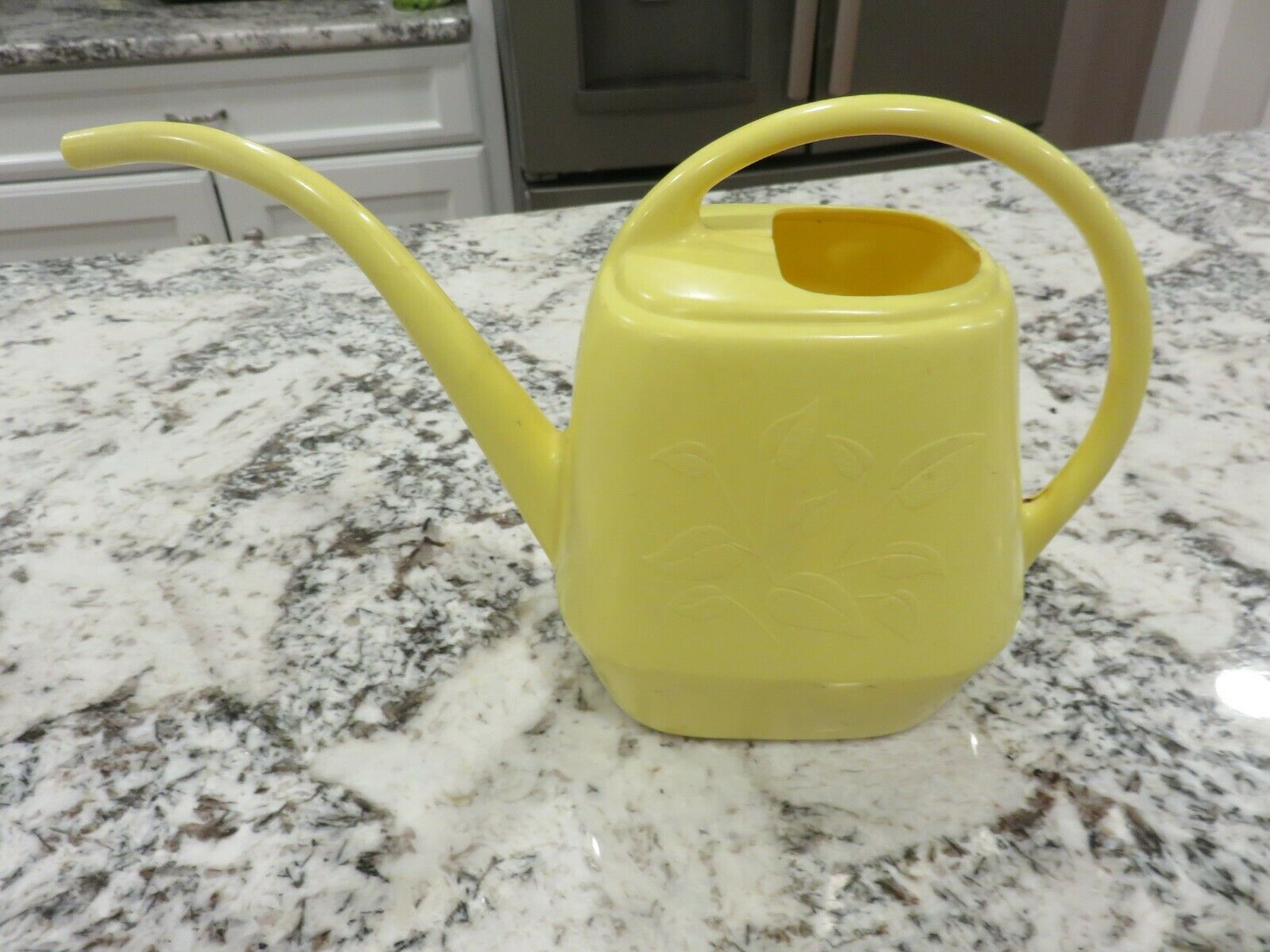 Vintage MCM Garden Scene Yellow Plastic Small Watering Can 6.5 Cups LOOK