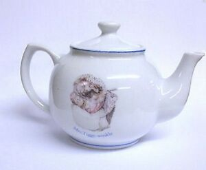 Beatrix-Potter-Collectable-Mini-Teapot-Mrs-Tiggy-Winkle-New-amp-Sealed
