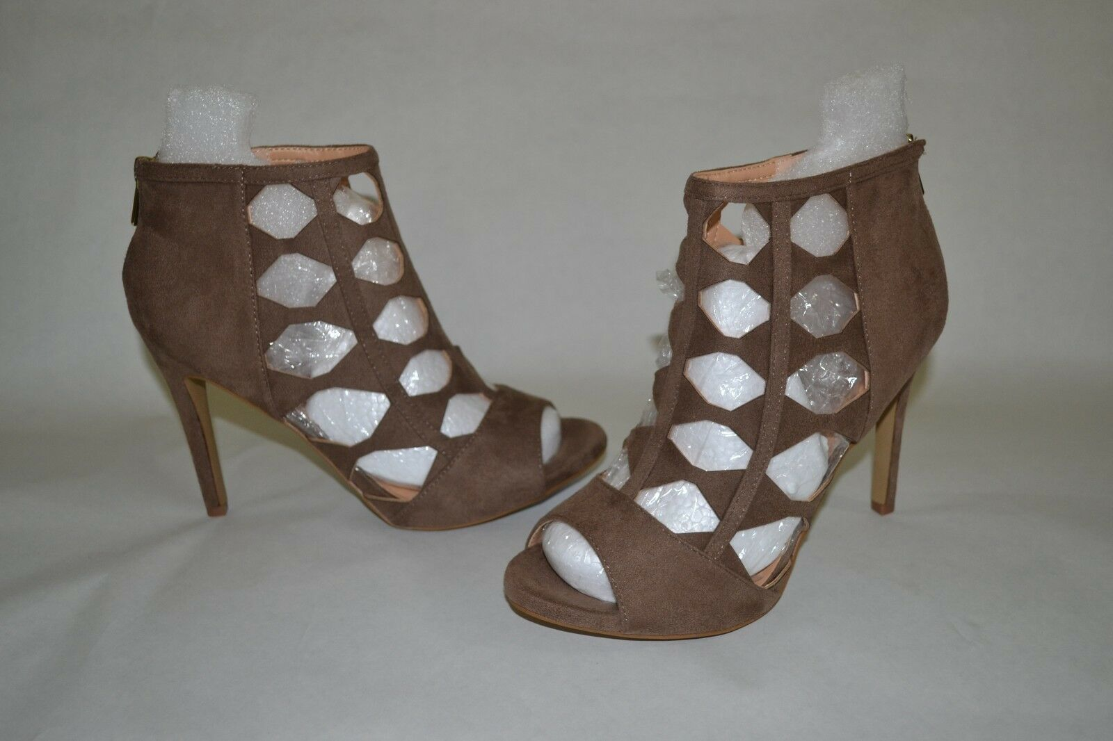 XOXO Colbie Suede Women's Size Shoes Color Brown/Taupe Size Women's 6.5 a1976b