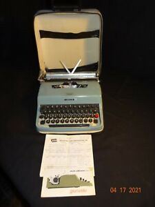 Vintage Olivetti Underwood Lettera 32 Portable Typewriter w/ Original Case 1967
