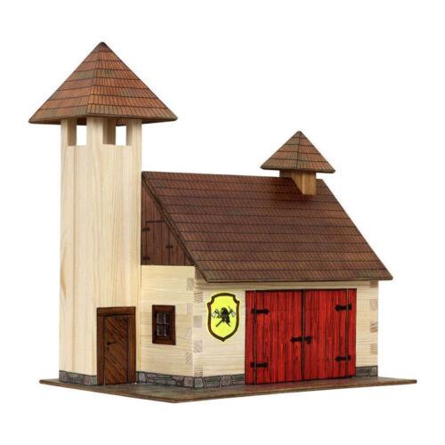 "# Walachia W41 /""Feuerwehrhaus/"" Modellbaukasten 1:32 Holz NEU"