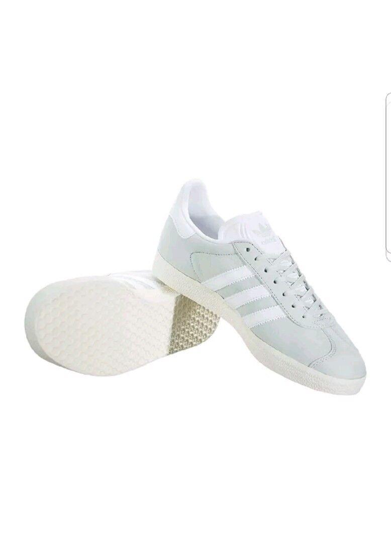 Adidas Originals size  8Gazelle Sneaker Women's Training Shoes mint  green New