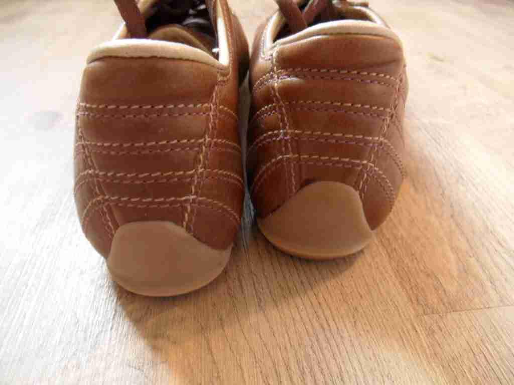LACOSTE schöne TOP Leder-Sneakers braun Gr. 40 TOP schöne KoS417 75951a