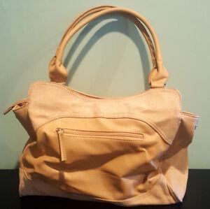 Pre-Owned-Emilie-M-Tan-Color-Faux-Leather-Handbag