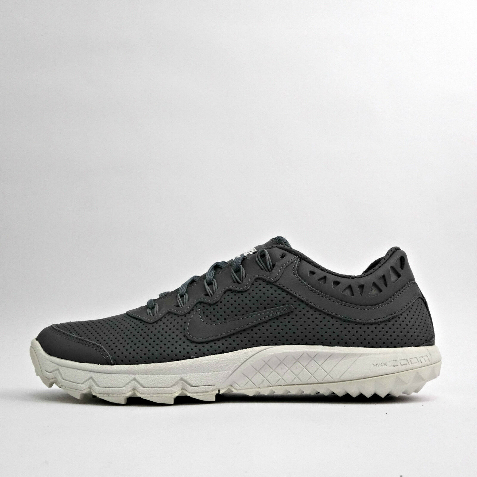 d01f0cb42357 ... norway nike zoom terra kiger 2 mens running trainers white shoes cool  gris white trainers dc4cb