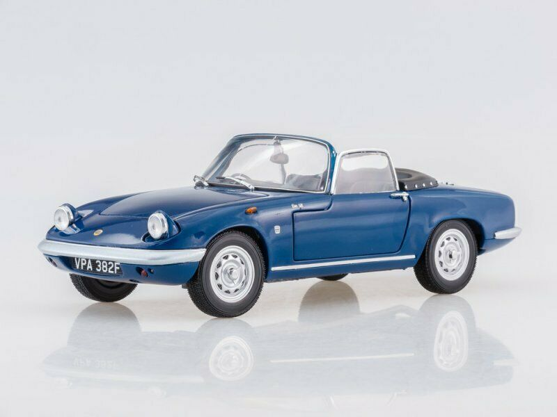 Scale model 1 18  Lotus Elan SE Roadster (Royal blu) 1966