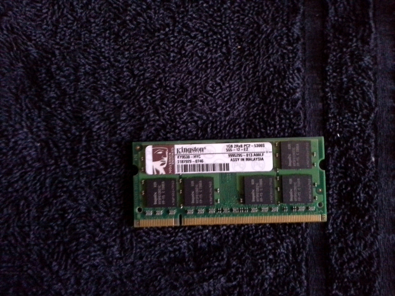 1GB RAM for laptop ddr 2.  800