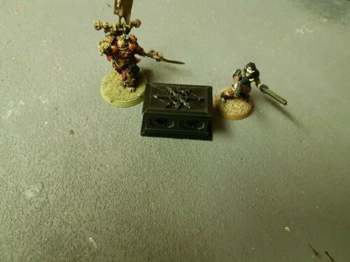 set of 2 Warhammer 40k//Age of Sigma Chaos Alter