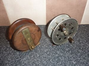 2x-VINTAGE-FISHING-REELS-1x-METAL-amp-1x-WOOD-BRASS-GOOD-CONDITION-FOR-AGE