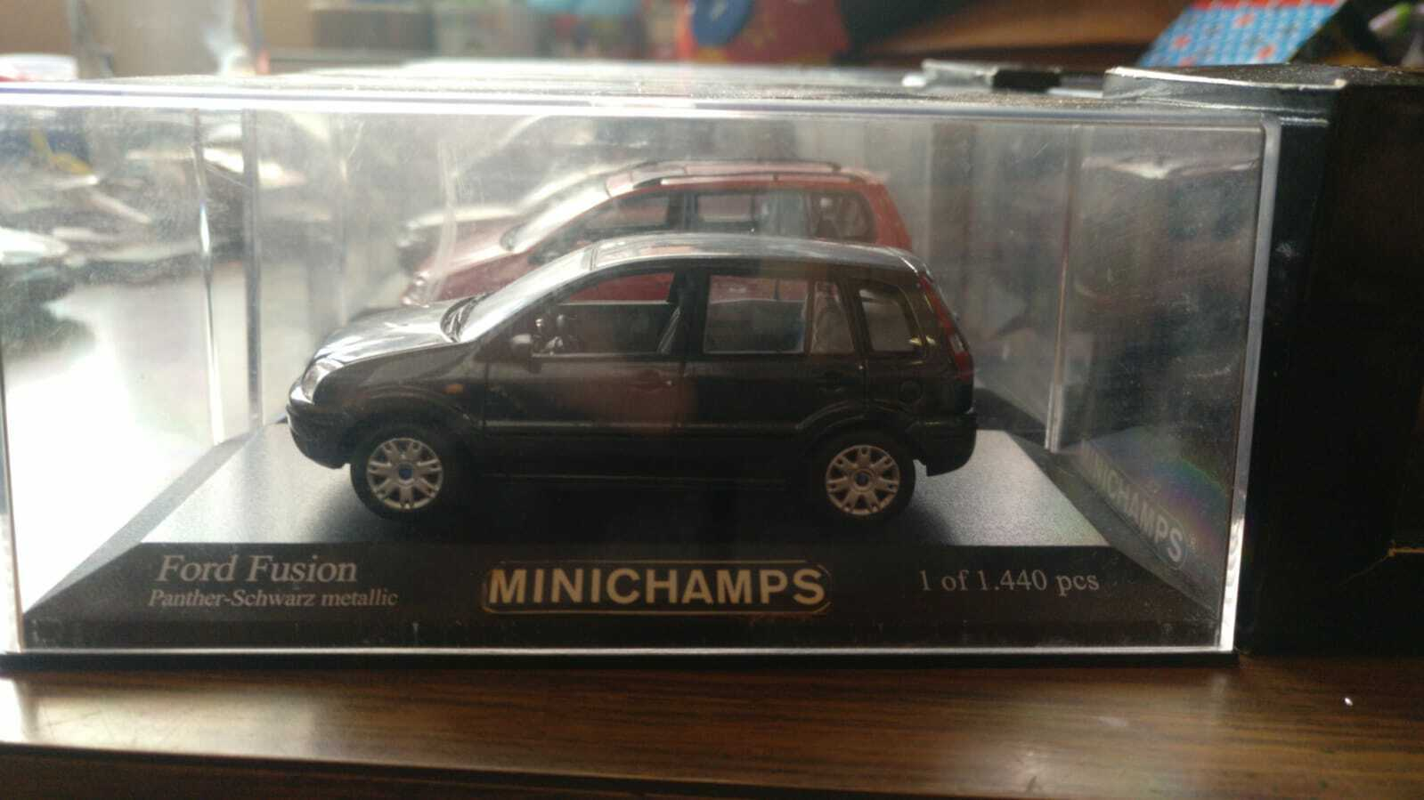 Ford Fusion 1 43 minichamps