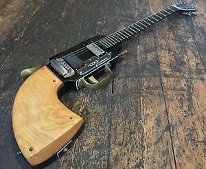 jim cairnes burns colt gun shape peacemaker electric guitar rare made in england ebay. Black Bedroom Furniture Sets. Home Design Ideas