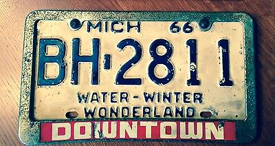 """Vintage Antique Michigan License Plate w/ Frame """"Downtown""""- 1966"""