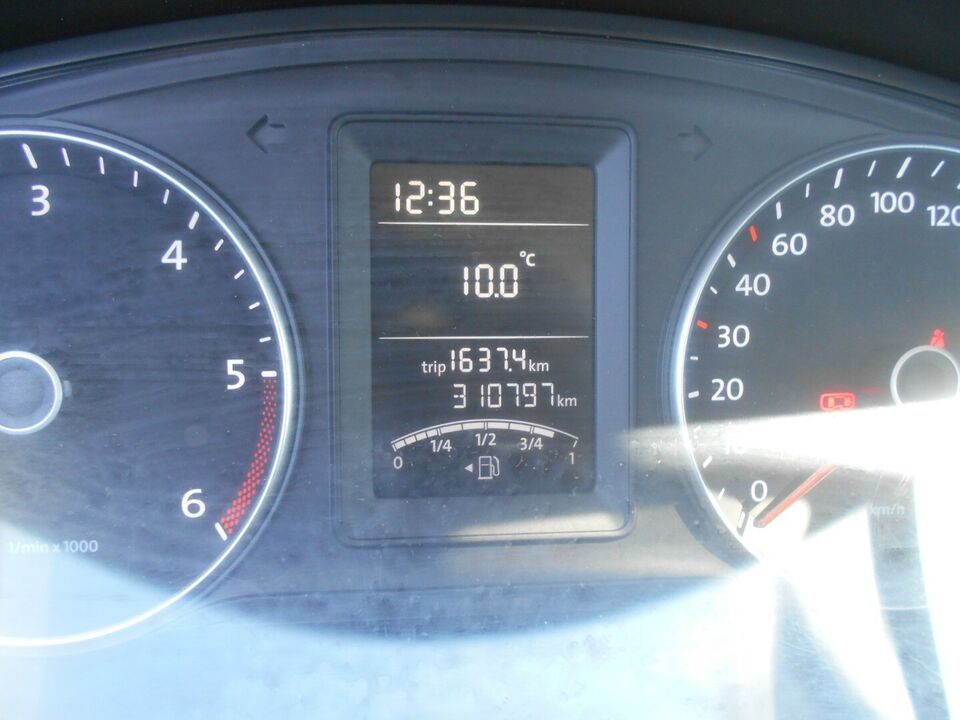 VW Transporter 2,0 TDi 114 Ladvogn lang Diesel modelår 2015