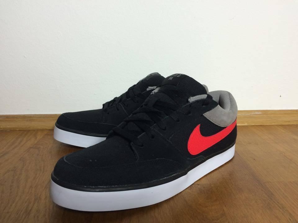 Nike Avid Men Herren Skate NEU UVP 124,95 schwarz rot / roshe max zx sneaker