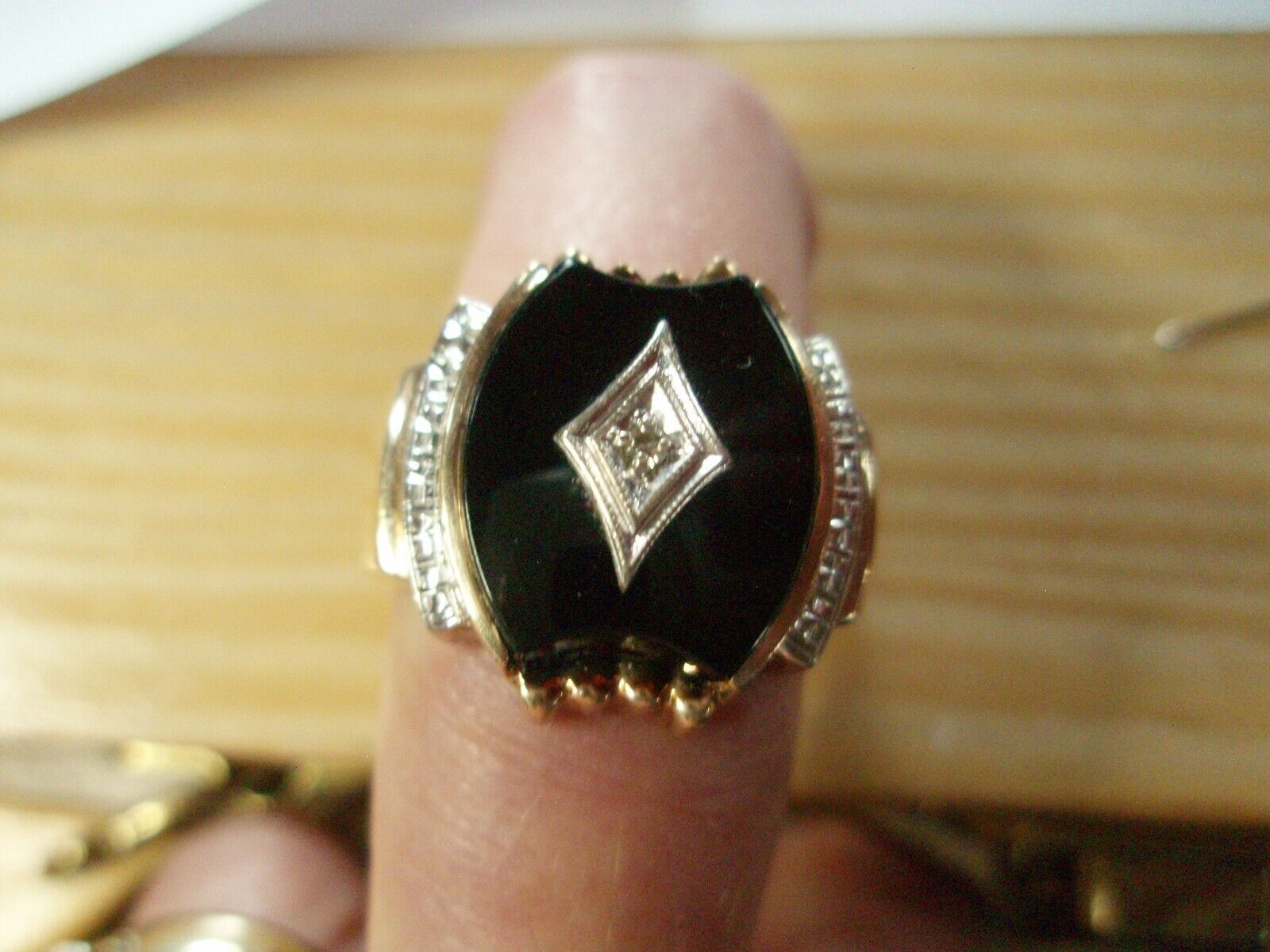Heavy 8g Unisex 10K 2-Tone Gold Ring Solitaire On… - image 9