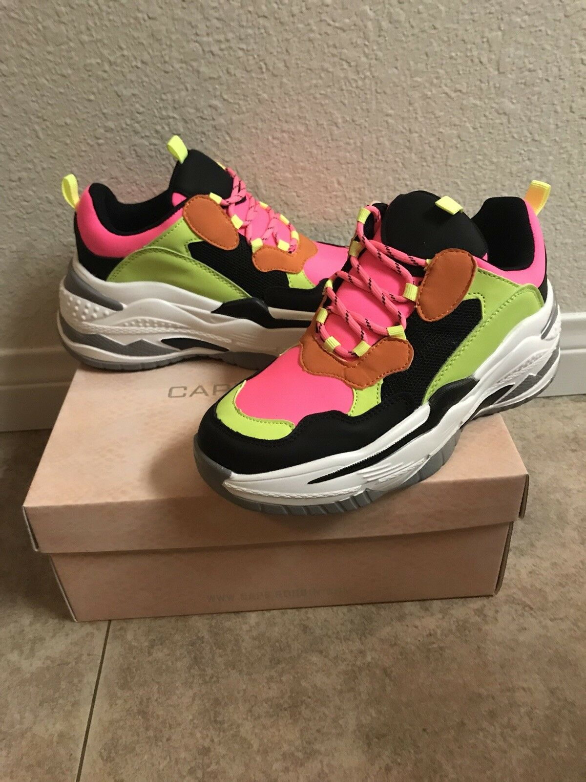 BNIB Cape Robbin Sneakers SPACESHIP Neon color Blk 'Ugly Cool' Chunky Sole Sz 8
