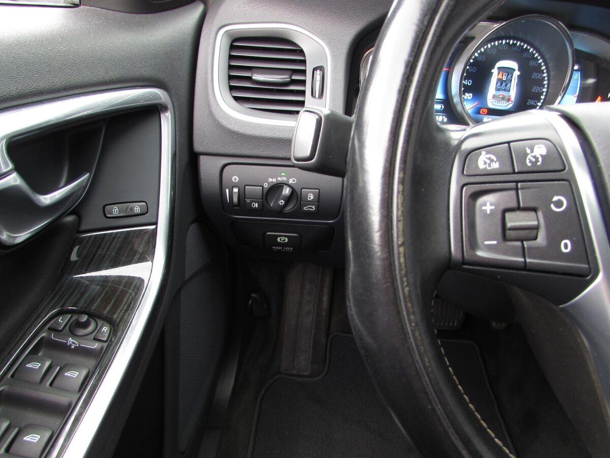 Volvo V60 D6 Summum aut. AWD