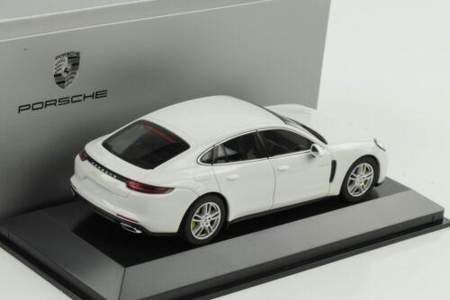 Porsche Panamera 4 E-Hybrid G2 Carrara Bianco 1:43 Herpa Wap