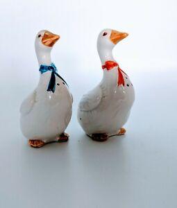 Vintage-Geese-Goose-Ducks-With-Bows-Salt-And-Pepper-Shakers-Set-Otagiri-Japan
