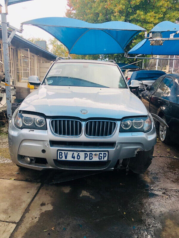 Bmw E83 X3 Now stripping for parts