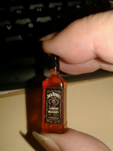 """1//6 Scale JACK DANIELS WHISKEY BOTTLE for 9/""""/'-12/"""" ACTION FIGURES  WITH FREE GIFT"""